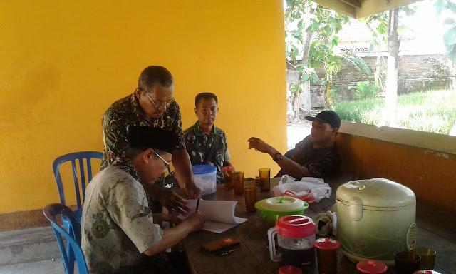 Pererat Silahturahmi Babinsa Anjangsana Dikantor Desa Diwilayah Binaan