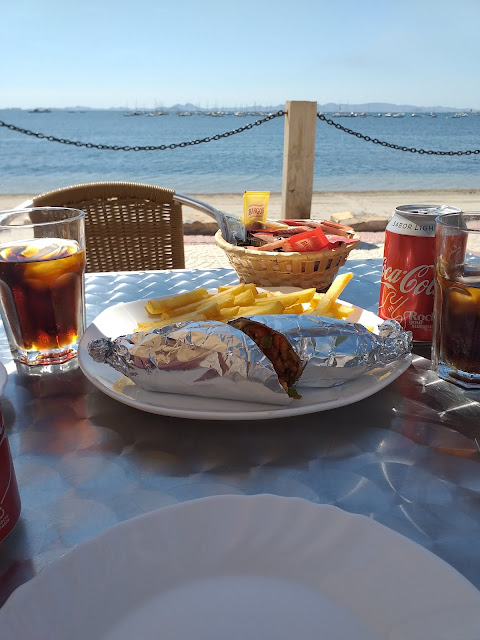 lunch by the sea in Lo Pagan