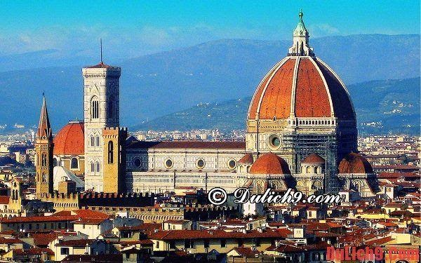 Florence Cathedral - Beautiful and outstanding architecture should visit the most when traveling to Florence, Italy