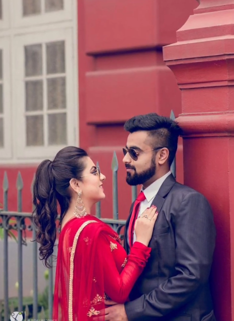 Best Photoshoot Pose For Couple