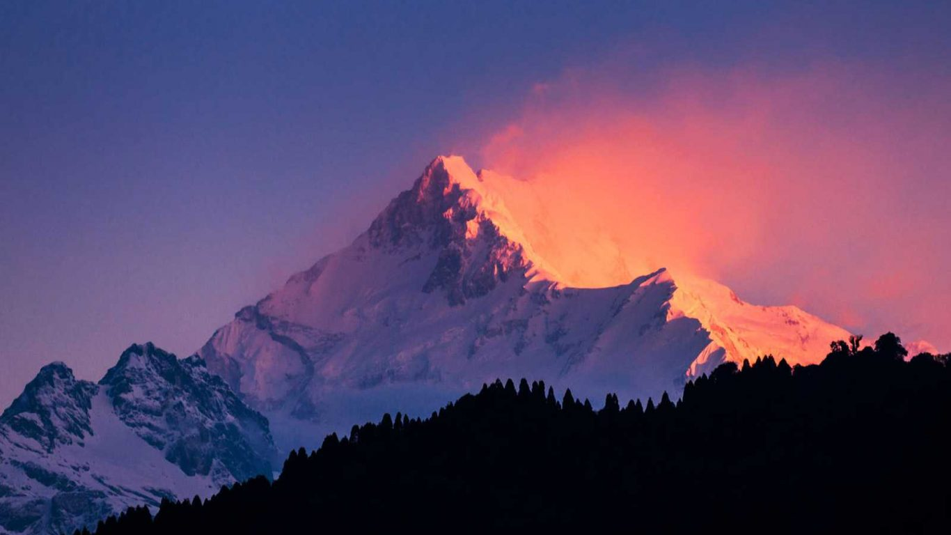 Golden sunrise amazing view over the Kanchenjunga from tiger hill