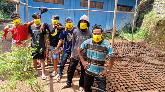 Susah Air, Pemuda Golkar Cipongkor Semai Ratusan Ribu Pohon
