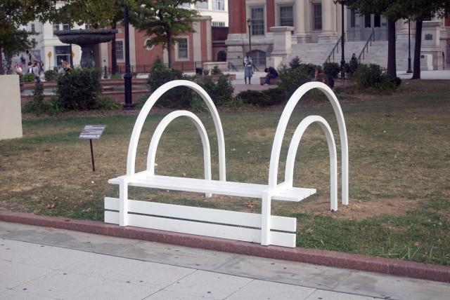 Необычные скамейки. Jeppe Hein 19