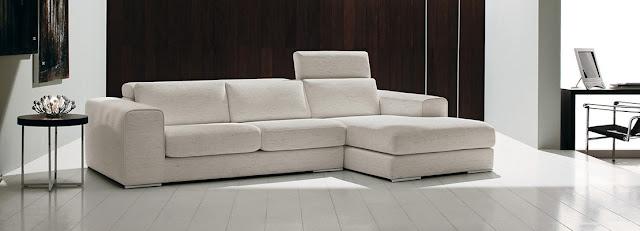 come-coprire-un-divano-rovinato