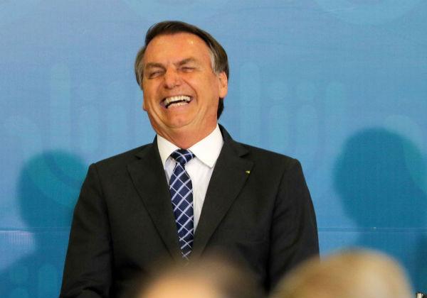 Bolsonaro supera Temer em gasto com cartão corporativo e fica perto de Dilma