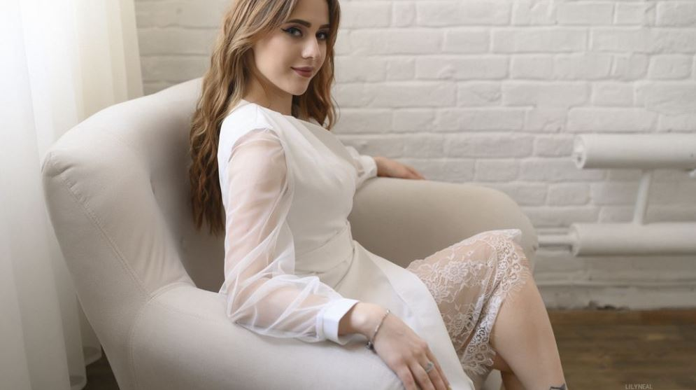 LilyNeal Model GlamourCams