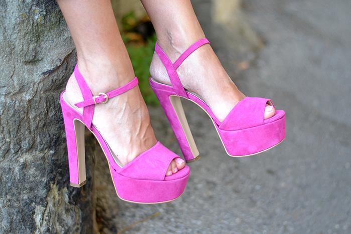 sandali rosa barca