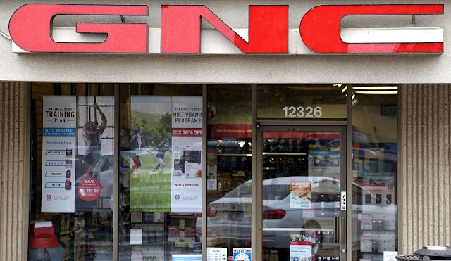 Compra de suplementos na GNC em San Francisco