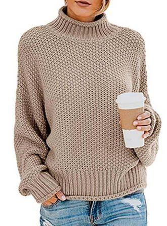 sweter na drutach z opisem