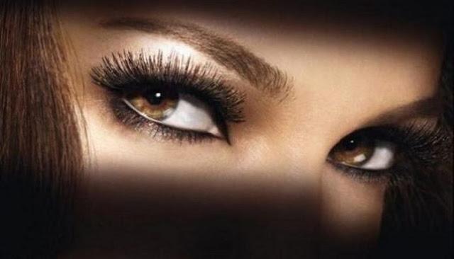 Τι λέει το ζώδιο σας για το βλέμμα σας; Τα μάτια αποκαλύπτουν!
