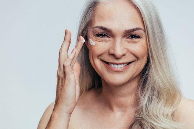 Préparer une crème anti-âge et anti-rides pour un soin profond de la peau