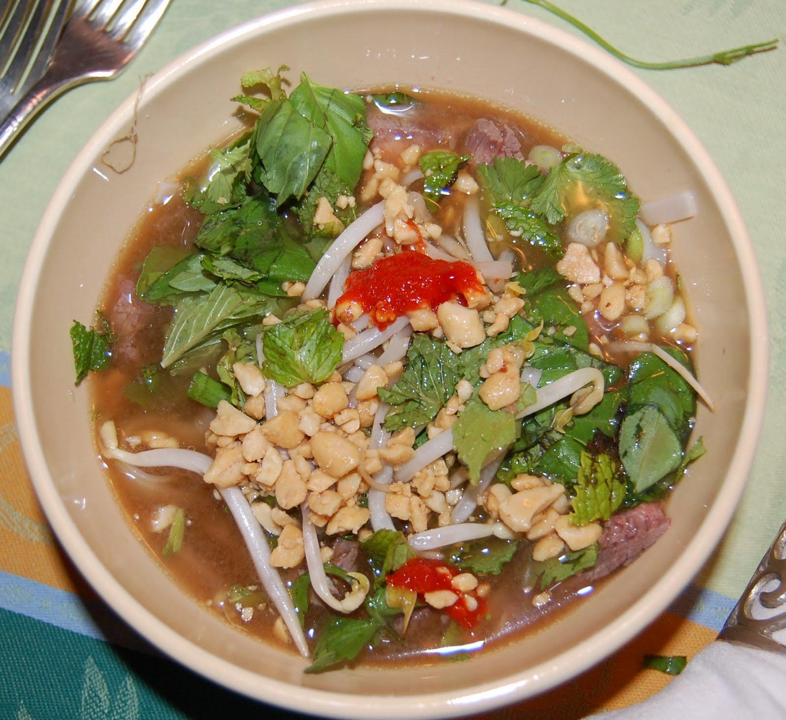 KnitOne,PearlOnion: Vietnamese Beef Noodle Soup (Pho Bo)