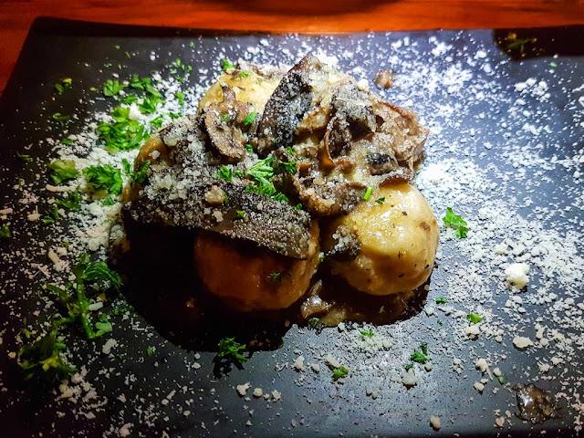 Gnocchi en el restaurante italiano The Cousins, Ciudad del Cabo, Sudáfrica