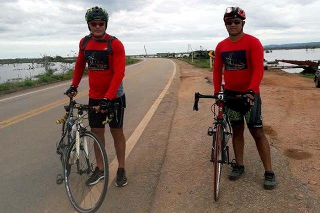 Ciclista de RO cumpre desafio e pedala mais de 300 km entre uma cidade e outra