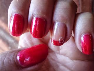 manicura rojo pasion