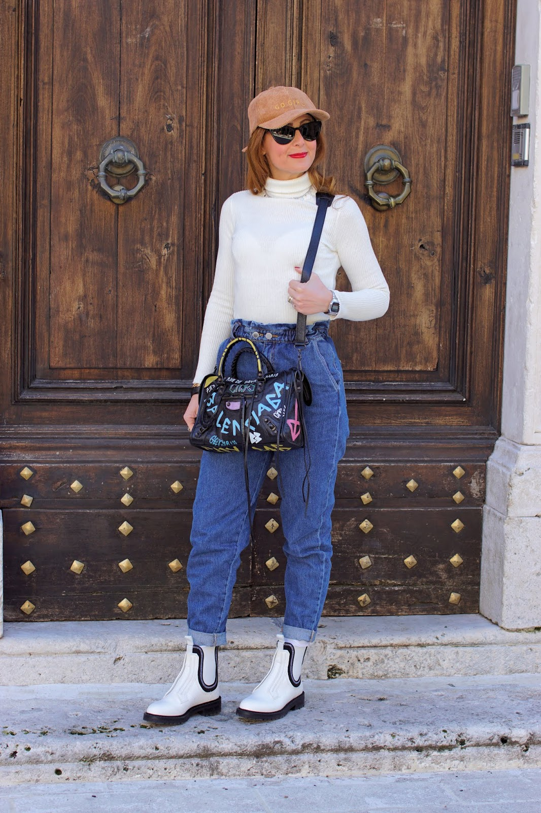 Hot Trends: Slouchy jeans and white Chelsea boots on Fashion and Cookies fashion blog, fashion blogger style