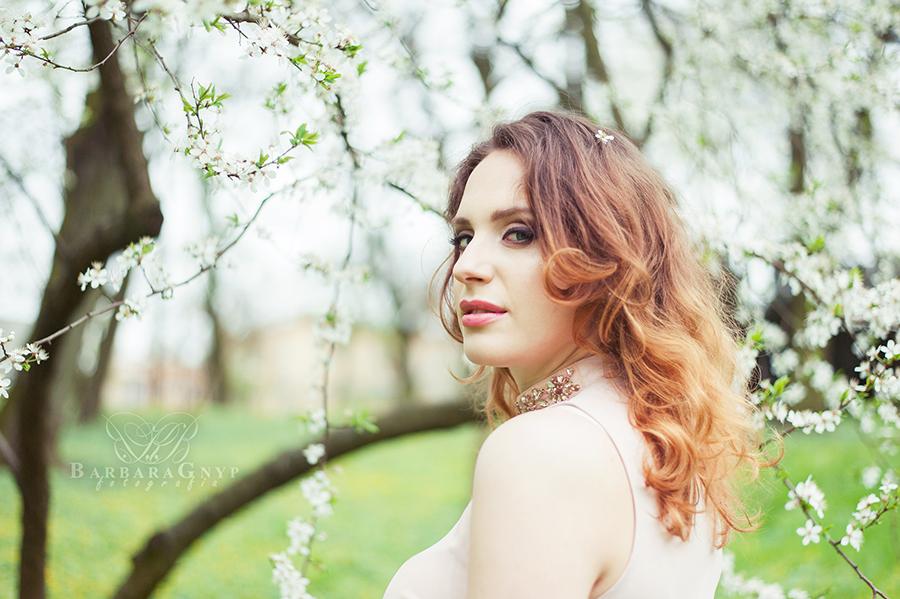 http://www.wymarzonekadry.pl/2016/07/subtelnie-sesja-kobieca-agnieszka.html