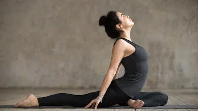 Turunkan Berat Badan Sambil Mengencangkan Otot Dengan Asana Yoga Sederhana Ini