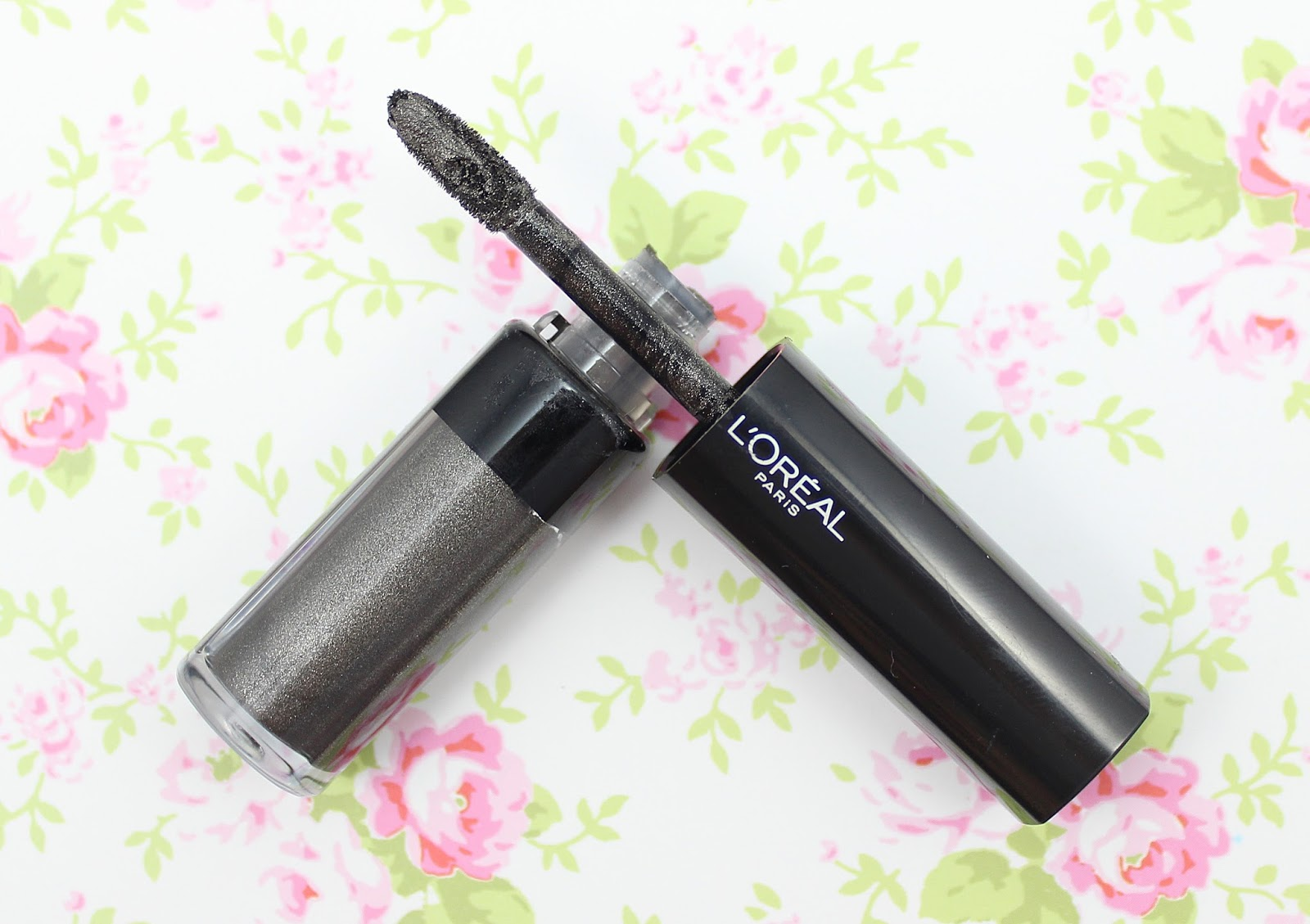 L'Oreal Infallible Eye Paint Iconic Silver