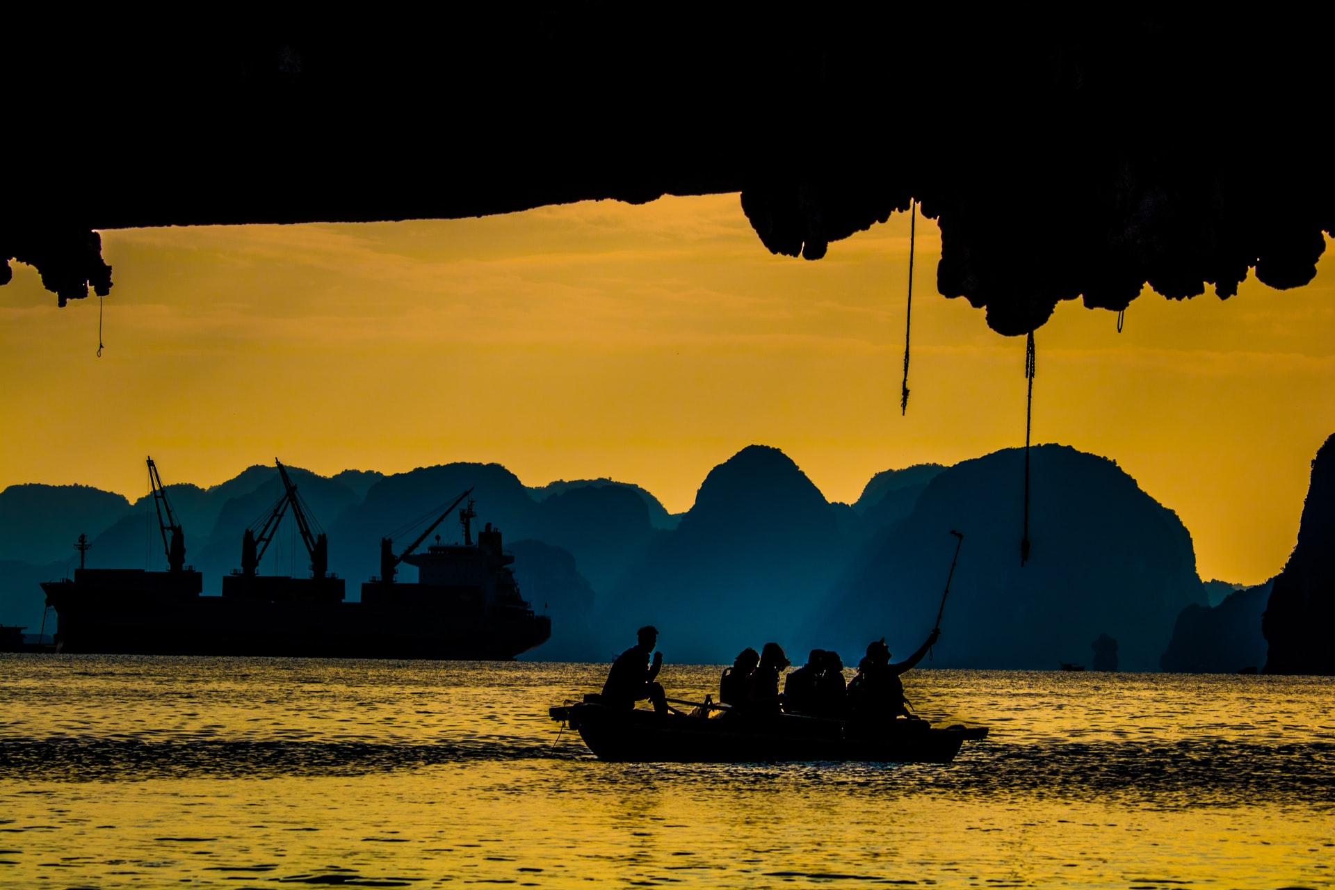 halong bay facts