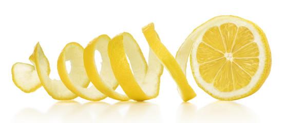 لا ترمى قشر الليمون وتعرفى على فائدته