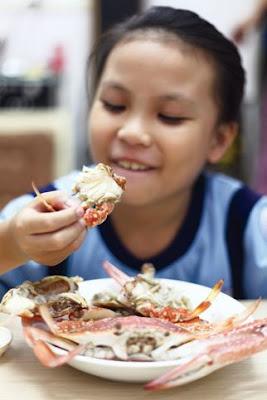 Cho trẻ ăn hải sản vài điều cần lưu ý
