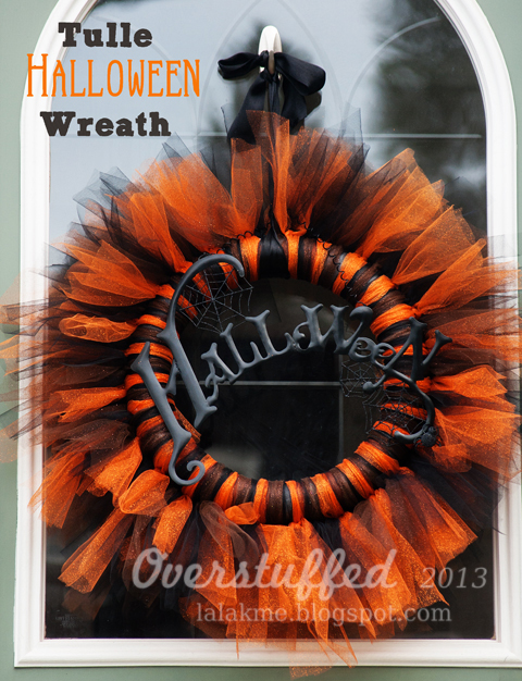 Orange and black tulle Halloween wreath.