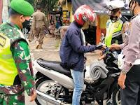 Aparat Gabungan Di Bojonegoro Laksanakan Operasi PPKM Skala Mikro