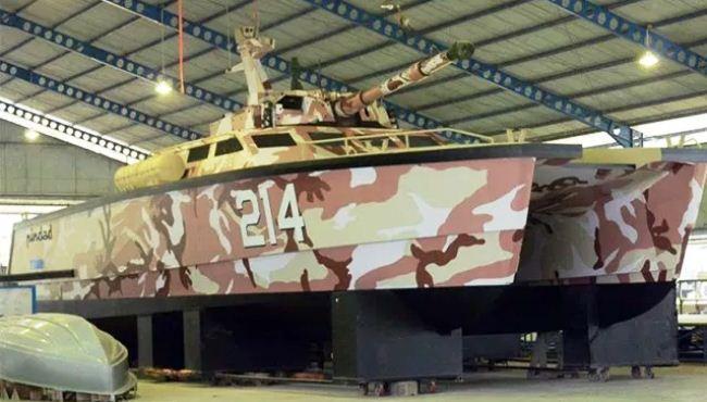 Proses pembuatan tank boat Antasena