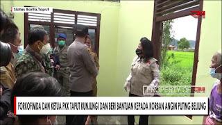 Forkopimda Dan Ketua PKK Taput Kunjungi Dan Beri Bantuan Kepada Korban Angin Puting Beliung