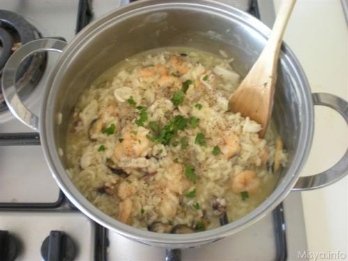 I segreti per cucinare bene risotto alla pescatora for Cucinare risotto
