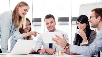 Bagaimana Berkomunikasi di Tempat Kerja ? Tips Komunikasi di Tempat Kerja yang Efektif