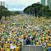 Brasilienses fazem manifestação em apoio a Jair Bolsonaro