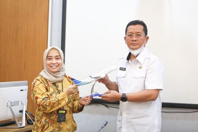 Garuda Indonesia Buka Kembali Rute Dari & Ke Bandung, Sekda : Penerapan Protokol Kesehatan Harus  Ketat