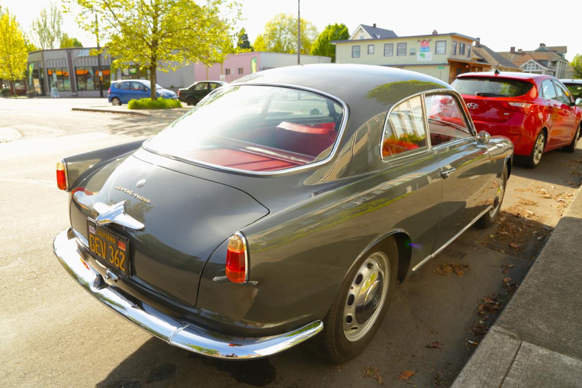 old parked cars 1958 alfa romeo giulietta sprint veloce. Black Bedroom Furniture Sets. Home Design Ideas