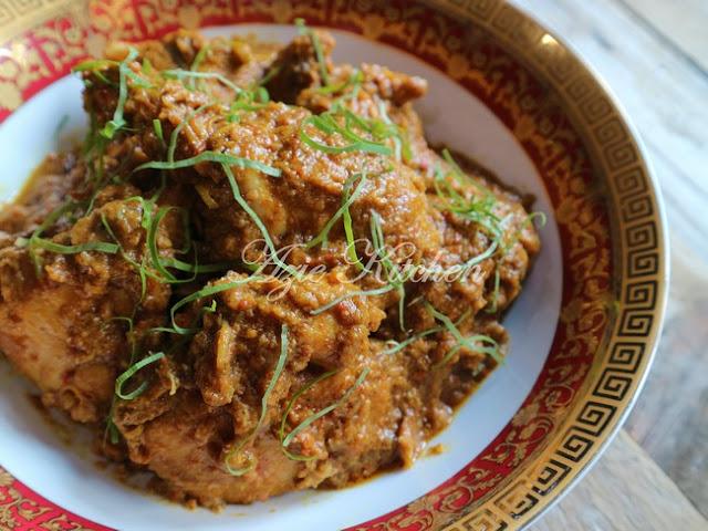 Rendang Pedas Ayam Azie Kitchen