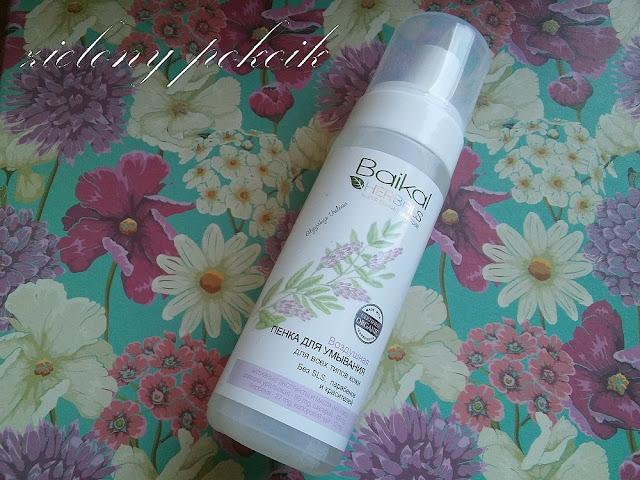 Kosmetycznie: Baikal Herbals - Pianka do mycia twarzy do wszystkich typów skóry.