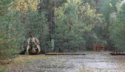 Cakar pengeruk tanah di Chernobyl yang mematikan.