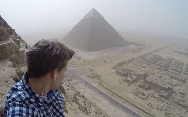 Egypt, Pyramid, German, Andrej Ciesielski, Teenage, 18 Year, Giza, Video, Photos, Images, Pictures, 19 January 2016, Tourist, Cairo, Climb, Climbing, Cheops, illegal, Tomb,