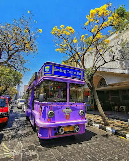Menjelajahi Kota Dengan Bandros (Bandung Tour on Bus)