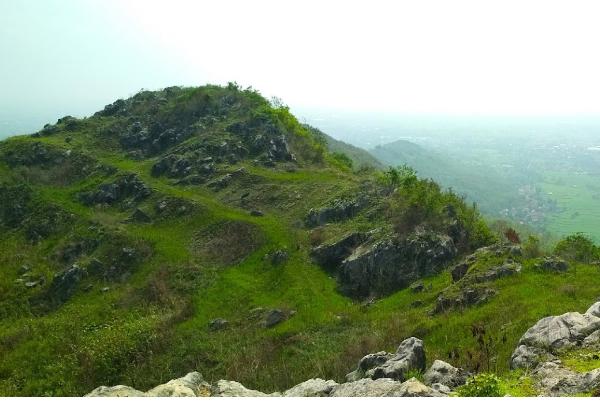 Foto Gunung Karang Numpang, Harga Tiket, Lokasi