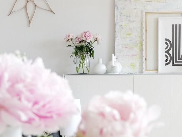 Gefüllte Pfingstrosen als Wohnzimmer-Deko - www.mammilade.blogspot.de - 5 Lieblinge, Momente und Fotomotive der Woche