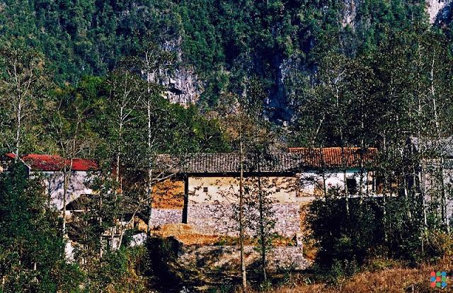 Pho Bang - a peaceful town on Dong Van Karst Plateau 1