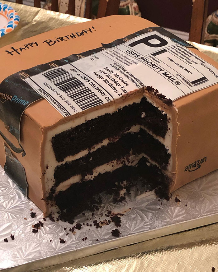 Husband Got An Amazon Birthday Cake For His Wife Who Loves Ordering Things From Amazon