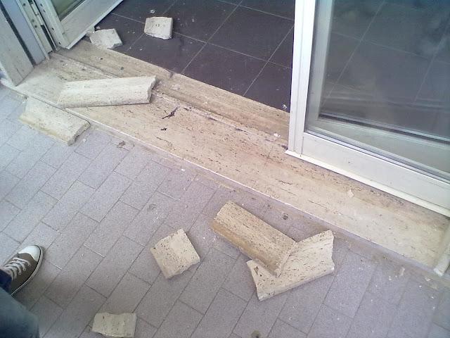 marmo rotto-scuola-pavimento-Liceo