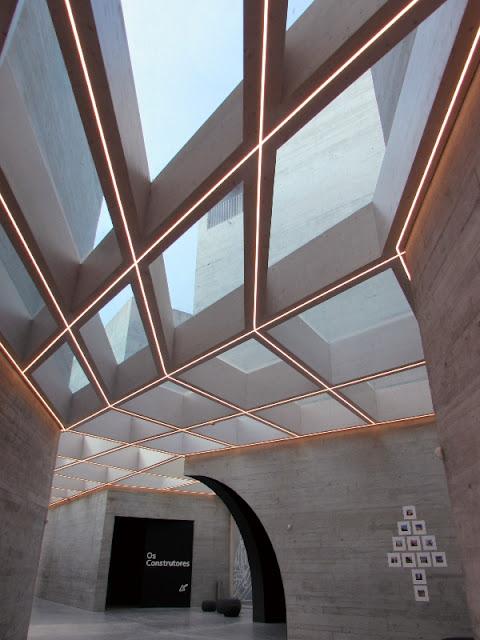 Interior do edifício do Centro de Interpretação do Românico