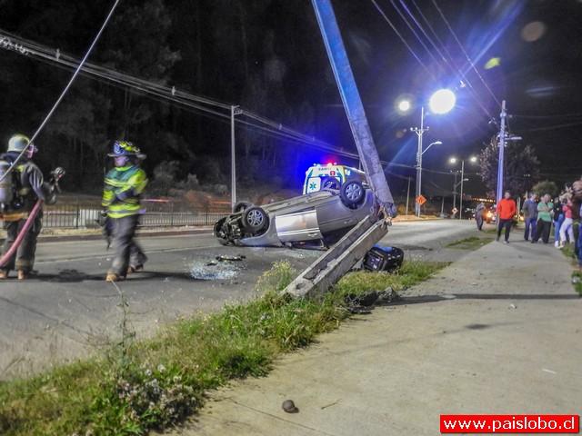 Osorno: Accidente vehícular dejó dos lesionados en el sector Mirasur