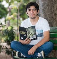 http://www.atraentemente.com.br/2016/07/autor-eduardo-timbo.html