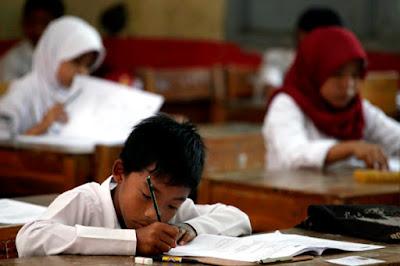 Download Kisi-kisi Ujian Sekolah/Madrasah Pada SD/MI, SDLB, & Program Paket A/Ula Tahun Pelajaran 2016/2017