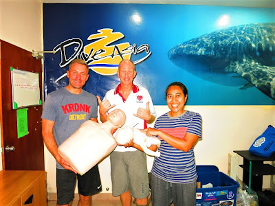 PADI IDC and EFR Instructor courses have been completed on Phuket for May 2017